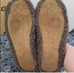 d03b16a0c79 UGG Women's Size 8 Grey 'Birche' Slippers